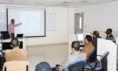 Khalifah Library Holds Workshop for AAU Faculty
